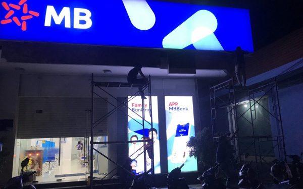 Làm biển hộp đèn 3M tại Thanh Xuân